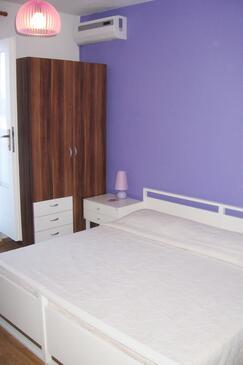 Bol, Спальня в размещении типа room, WiFi.