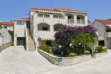 Bol, Brač, Property 2882 - Apartments with pebble beach.