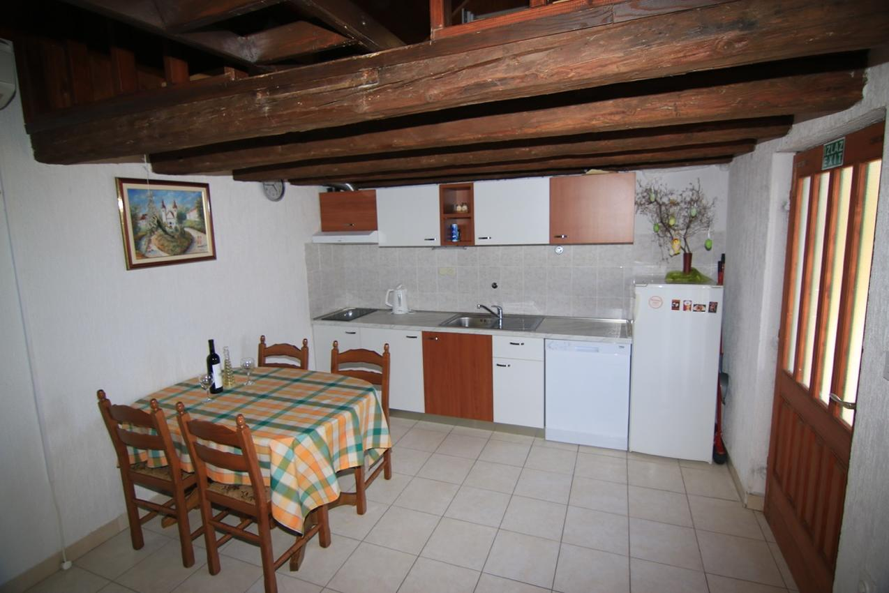 Haus im Ort Bol (Bra?), Kapazität4+0 Ferienhaus  Insel Brac