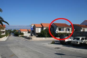 Supetar, Brač, Obiekt 2896 - Apartamenty ze żwirową plażą.