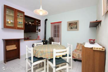 Vela Farska, Dining room in the apartment.