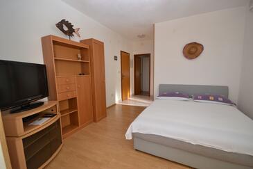 Postira, Obývací pokoj v ubytování typu apartment, s klimatizací a WiFi.
