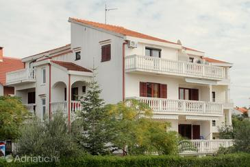 Zadar - Diklo, Zadar, Property 292 - Apartments near sea with pebble beach.