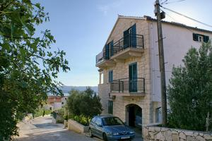 Apartments and rooms with parking space Bol, Brač - 2926