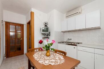 Povlja, Comedor in the apartment, WiFi.