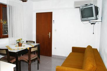 Sumartin, Jadalnia w zakwaterowaniu typu apartment, WIFI.