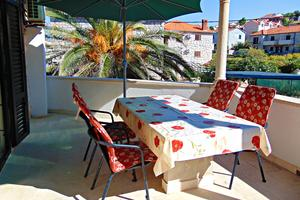 Apartments by the sea Postira (Brač) - 2950