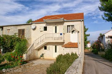 Mirca, Brač, Property 2961 - Apartments with pebble beach.