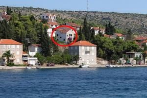 Apartments by the sea Milna (Brac) - 2962