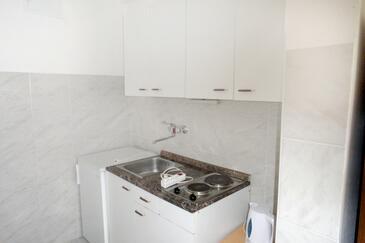 Lokva Rogoznica, Kitchen in the studio-apartment, WiFi.