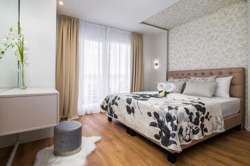 Lokva Rogoznica, Spavaća soba u smještaju tipa room, dostupna klima i WiFi.