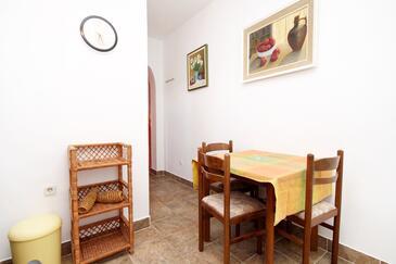 Zaton, Dining room in the studio-apartment, WIFI.