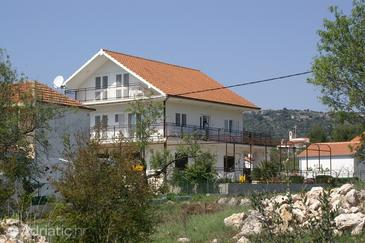 Vinišće, Trogir, Property 2985 - Apartments near sea with pebble beach.