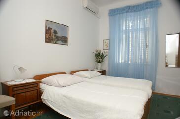 Split, Bedroom in the room, dostupna klima.