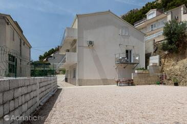 Duće, Omiš, Property 2992 - Apartments near sea with sandy beach.