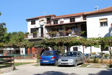 Banjole, Pula, Property 3002 - Apartments near sea with pebble beach.