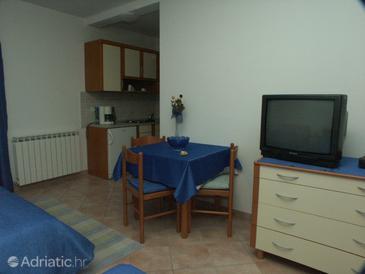 Poreč, Dining room in the studio-apartment, dopusteni kucni ljubimci.