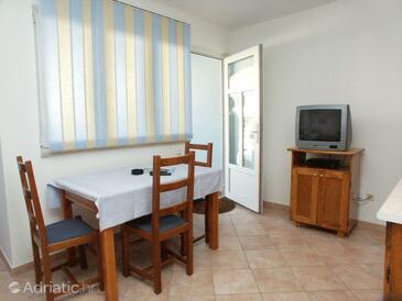 Vrsar, Jídelna v ubytování typu studio-apartment, domácí mazlíčci povoleni a WiFi.