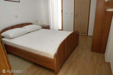 Rovinj, Ložnice v ubytování typu room, dostupna klima.