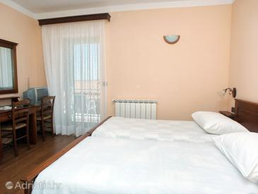 Rabac, Bedroom in the room, air condition available and WiFi.
