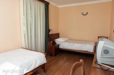 Rabac, Spálňa v ubytovacej jednotke room, klimatizácia k dispozícii a WiFi.