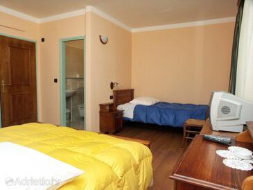 Rabac, Schlafzimmer in folgender Unterkunftsart room, Klimaanlage vorhanden und WiFi.