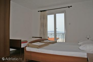 Klenovica, Bedroom in the room, air condition available and WiFi.