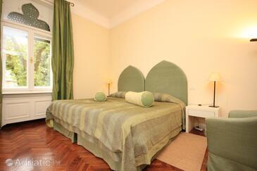 Lovran, Bedroom in the room, dostupna klima i WIFI.