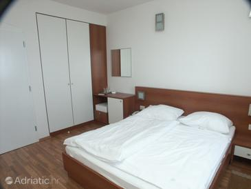 Lovran, Dormitor in the room.