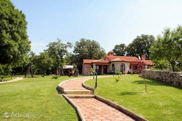 Belavići, Marčana, Property 3028 - Vacation Rentals with pebble beach.