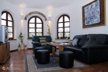 Belavići, Dnevna soba v nastanitvi vrste house, dostopna klima in WiFi.