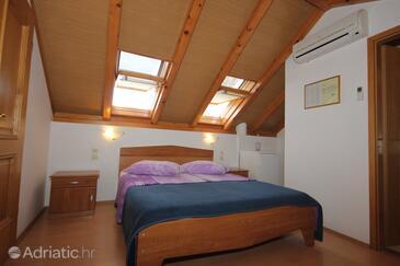 Vis, Hálószoba szállásegység típusa room, légkondicionálás elérhető és WiFi .