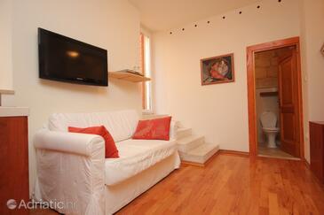 Komiža, Wohnzimmer in folgender Unterkunftsart studio-apartment, Haustiere erlaubt und WiFi.