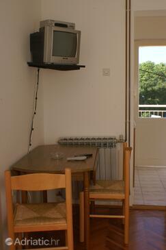 Podaca, Dining room in the studio-apartment, dopusteni kucni ljubimci i WIFI.