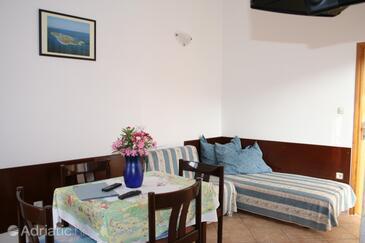 Mali Lošinj, Dining room in the apartment.