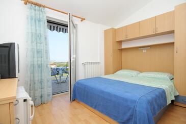 Babići, Sypialnia w zakwaterowaniu typu room, Dostępna klimatyzacja i WiFi.