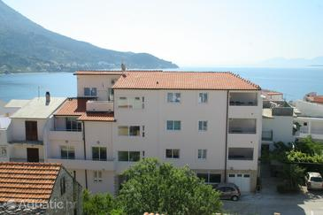 Igrane, Makarska, Property 3053 - Apartments near sea with pebble beach.