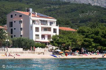 Tučepi, Makarska, Property 3057 - Rooms near sea with pebble beach.
