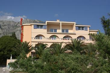 Tučepi, Makarska, Property 3060 - Rooms with pebble beach.