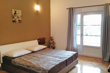 Tučepi, Bedroom in the room, dostupna klima i WIFI.