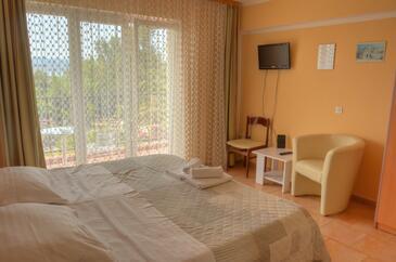 Duće, Спальня в размещении типа room, доступный кондиционер и WiFi.