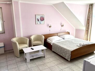 Duće, Ložnice v ubytování typu room, s klimatizací a WiFi.