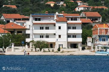 Vinišće, Trogir, Property 3073 - Apartments and Rooms near sea with pebble beach.