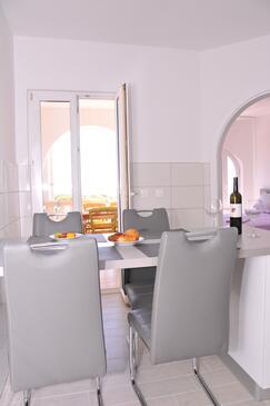 Potočnica, Jídelna v ubytování typu apartment, domácí mazlíčci povoleni a WiFi.