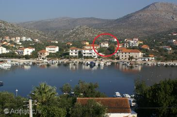 Seget Vranjica, Trogir, Property 3078 - Apartments near sea with pebble beach.