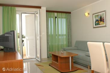 Seget Vranjica, Living room in the apartment, air condition available, (pet friendly) and WiFi.