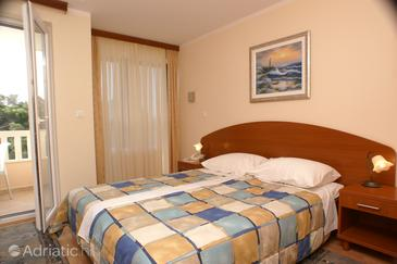 Seget Vranjica, Bedroom in the room, air condition available, (pet friendly) and WiFi.