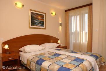 Seget Vranjica, Spavaća soba u smještaju tipa room, dostupna klima, kućni ljubimci dozvoljeni i WiFi.
