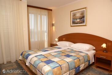 Seget Vranjica, Ložnice v ubytování typu room, s klimatizací, domácí mazlíčci povoleni a WiFi.