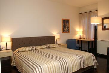 Novaljsko polje, Bedroom in the room, dopusteni kucni ljubimci.
